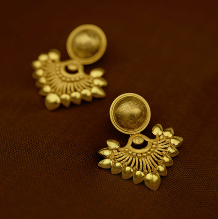 صورة لقسم Gold Ear Ring